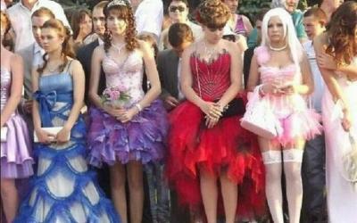 30 самых нелепых нарядов выпускниц со всего мира