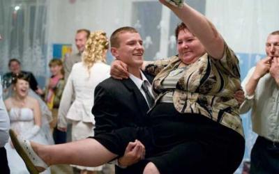 Тотальный трэш деревенских свадеб: 30 смешных фото