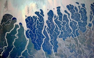 Хрупкая красота рек Земли: 20 впечатляющих снимков из космоса