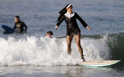 Отдыхаем, как умеем: 40 смешных пляжных фото